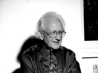 פרופ' יוהן גלטונג, ראש מכון Transcend