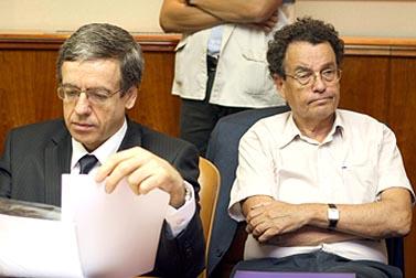 שר המשפטים דניאל פרידמן (מימין) והיועץ המשפטי לממשלה מני מזוז (צילום: פלאש 90)