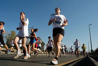 חצי-מרתון תל-אביב (צילום: רוני שוצר)
