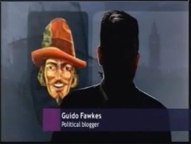 """פול סטיינס מתראיין, כשפניו מוצללות למניעת זיהוי, לתוכנית """"ניוז-נייט"""" (צילום מסך)"""