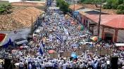 הפגנת אלפים נגד הנשיא סלאיה (צילום: giggy, רישיון cc-by-nc)