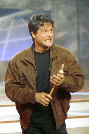 דודו טופז באולפן הטלוויזיה, 1993 (צילום: פלאש 90)