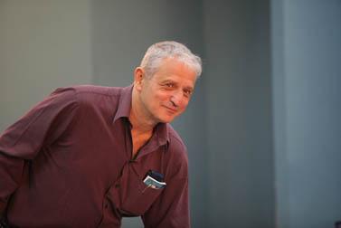 נחום ברנע. משרד ראש הממשלה, יולי 2009 (צילום: יוסי זמיר)