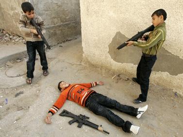ילדים משחקים ברפיח, עיד אל-אדחה, אתמול (צילום: עבד רחים כתיב)