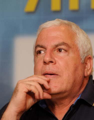 פיני גרשון, מאמן מכבי תל-אביב. אוקטובר 2009 (צילום: יוסי זליגר)