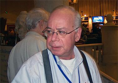 """עמוס רגב, העורך הראשי של """"ישראל היום"""" (צילום: עידו קינן, חדר 404 cc-by-sa)"""