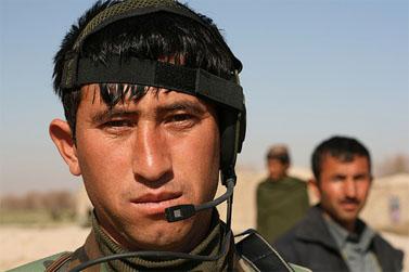 חייל אפגני מהכוחות הנלחמים באפגניסטן לצד צבאות המערב (צילום: isafmedia, רישיון CC)