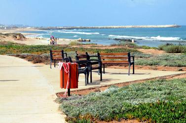זירת הרצח של ליאונרד (אריק) קרפ בחוף תל-ברוך. 15.8.09 (צילום: רוני שיצר)