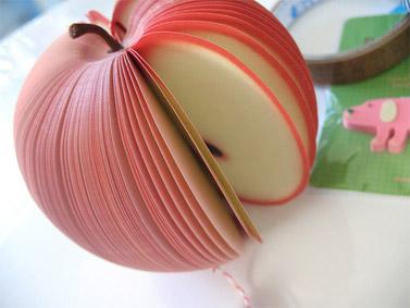 תפוח נייר (צילום: דניס קורטז, רשיון cc)