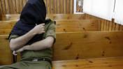 """קצין צה""""ל החשוד בגניבת ציוד מהספינה הטורקית מאבי-מרמרה, בבית-הדין הצבאי בקסטינה. 2.9.10 (צילום: צפריר אביוב)"""