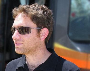 העיתונאי יהושע בריינר (צילום: אתר וואלה)
