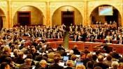 ישיבה בפרלמנט ההונגרי בבודפשט (צילום: hettie gm, רשיון cc)