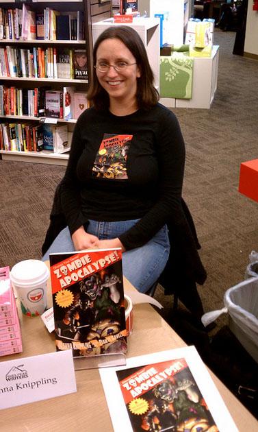 חתימה על ספרים בסניף של בורדרס בקולורדו (צילום: הקונצריום; רשיון cc)