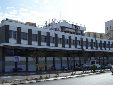 """בניין """"הארץ"""". רחוב שוקן, תל-אביב (צילום: """"העין השביעית"""")"""