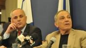 פרופ' איתן ששינסקי (מימין) ושר האוצר יובל שטייניץ. 10.11.10 (צילום: יואב ארי דודקביץ')