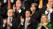 """אשת ראש הממשלה מריעה לראש הממשלה בנימין נתניהו, אתמול בקונגרס האמריקאי (צילום: אבי אוחיון, לע""""מ)"""
