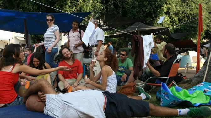 מאהל המחאה נגד מחירי הדיור, אתמול בשדרות רוטשילד בתל-אביב (צילום: לירון אלמוג)