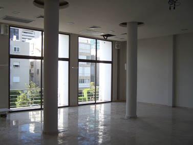"""אולם משופץ בבית סוקולוב, מקום משכנה של אגודת העיתונאים תל-אביב (צילום: """"העין השביעית"""")"""