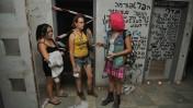 מפגינים משתלטים על בית נטוש בירושלים, אתמול (צילום: יואב ארי דודקביץ')