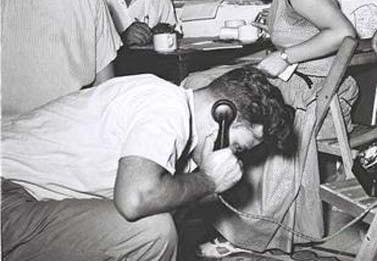 חדר העיתונות של ועדת הבחירות המרכזית ביום הבחירות לכנסת השלישית, 26.7.1955