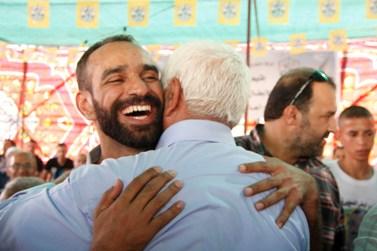 אסיר פלסטיני מתקבל בעיסאוויה לאחר שחרורו (צילום: אורן נחשון)