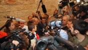 התובעת רונית עמיאל משוחחת עם עיתונאים, לאחר הכרעת הדין בערעור קצב, אתמול בבית-המשפט העליון בירושלים (צילום: אורן נחשון)