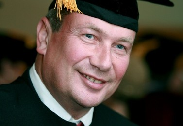 נוחי דנקנר בעת קבלת תואר דוקטור של כבוד מאוניברסיטת בר-אילן, 15.5.07 (צילום ארכיון: משה שי)