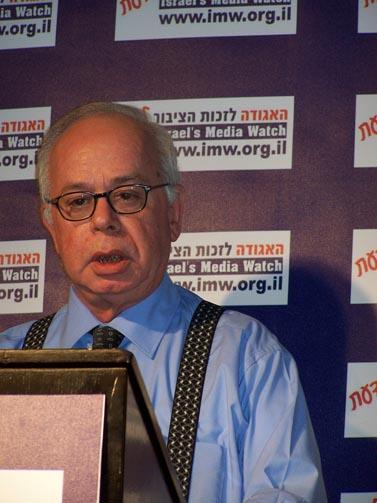 """עורך """"ישראל היום"""" עמוס רגב (צילום: """"העין השביעית"""")"""