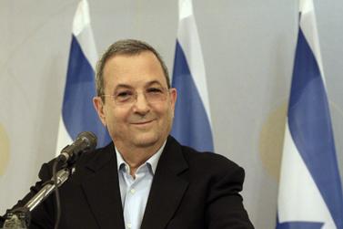 שר הביטחון אהוד ברק מודיע כי לא יתמודד בבחירות הבאות לכנסת, במסיבת עיתונאים בתל-אביב, 26.11.12 (צילום: רוני שיצר)