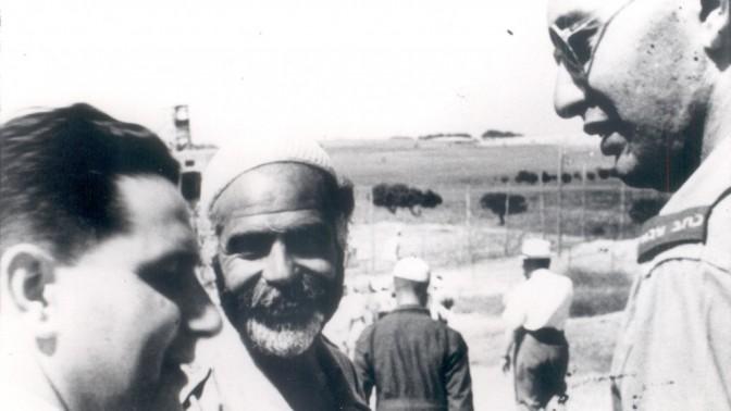 נתן דונביץ' (מימין), כתב צבאי (צילום: שריה שפירא, באדיבות המכון לחקר התקשורת היהודית באוניברסיטת תל-אביב)