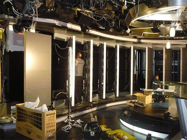 הקמת אולפן חדשות חדש בערוץ 10, נובמבר 2010 (צילום יחצנות: תומר פולטין)