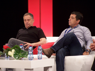 """למעלה: העיתונאים בן כספית ועמנואל רוזן. למטה: העיתונאים אילה חסון ורונן ברגמן. היום, בכנס במכללה האקדמית עמק-יזרעאל (צילום: """"העין השביעית"""")"""