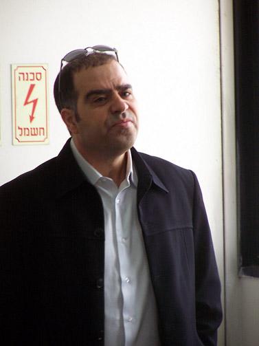 """אבי בן-טל, מנכ""""ל ynet, היום בבית-המשפט בתל-אביב (צילום: """"העין השביעית"""")"""