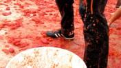"""""""קרב עגבניות"""" (צילום: Jeanne Dunning at Let Them Eat LACMA; רשיון cc)"""