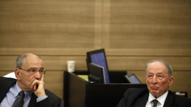 """היועץ המשפטי לממשלה עו""""ד יהודה וינשטיין והפרקליט הראשי משה לדור. ירושלים, פברואר 2012 (צילום: ליאור מזרחי)"""