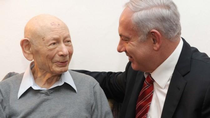 """פרופ' בנציון נתניהו ז""""ל ובנו בנימין, ביום הולדתו ה-102 של האב, 25.3.12 (צילום: אבי אוחיון, לע""""מ)"""
