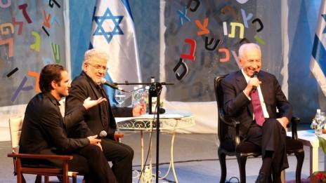 נשיא המדינה שמעון פרס משתתף בפסטיבל מספרי סיפורים, שלשום (צילום: רוני שיצר)