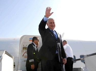 """בנימין נתניהו, ראש ממשלת ישראל, בצאתו לארה""""ב (צילום: עמוס בן גרשום, לע""""מ)"""