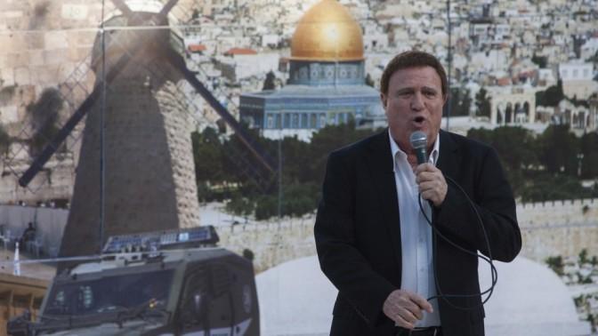 הזמר יהורם גאון, אתמול בירושלים (צילום: דוד ועקנין)