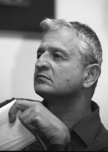 נחום ברנע, מרץ 2004 (צילום: פלאש 90)