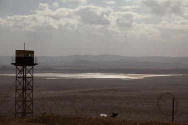 מגדל שמירה מצרי בגבול ישראל-מצרים, 4.3.09 (צילום: מתניה טאוסיג)