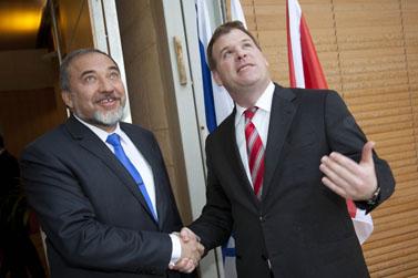 שרי החוץ של קנדה ושל ישראל, אתמול בירושלים (צילום: יונתן זינדל)