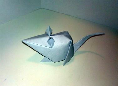 עכבר מאת מאסאשי טאקאנה (צילום: dcb aok, רשיון cc)