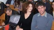 """תני גולדשטיין (מימין) באחד הדיונים בבית-הדין לעבודה. משמאל: עורך ynet יון פדר (צילום: """"העין השביעית"""")"""