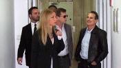 """מימין: עורך ynet יון פדר, סגנו ערן טיפנברון ועורכת הדין סיגל פעיל (צילום: """"העין השביעית"""")"""