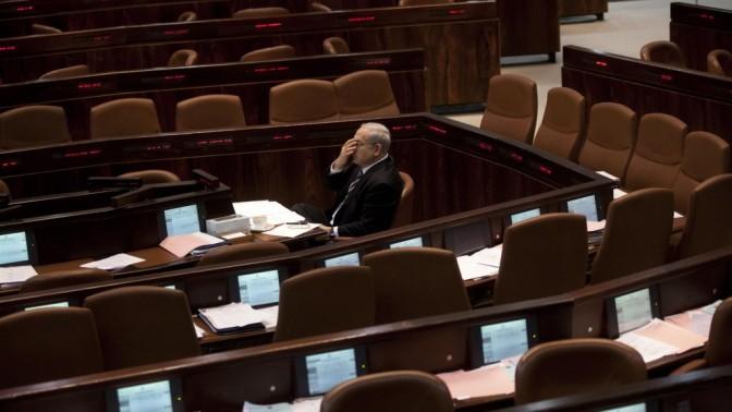 בנימין נתניהו, ראש ממשלת ישראל, אתמול במליאת הכנסת (צילום לעיל ובהמשך העמוד: דוד ועקנין)