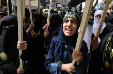 תהלוכה של תומכי הג'יהאד האיסלאמי בעזה, אתמול (צילום: פלאש 90)