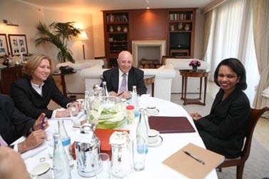מימין: קונדליזה רייס, אבו עלא וציפי לבני. בפגישה בירושלים אתמול (צילום: פלאש 90)