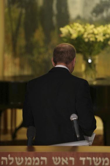 ראש הממשלה אחרי נאומו, אתמול (צילום: פלאש 90)