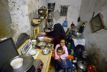 בית משפחת אל-מסרי ברפיח, אתמול (צילום: עבד רחים כתיב)